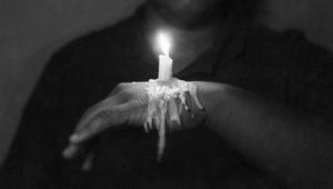 6 loại đau khổ tuổi trẻ nhất định phải trải qua